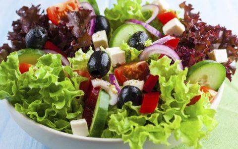 Ensalada griega con queso feta 1 480x300 - Ensalada griega con queso feta