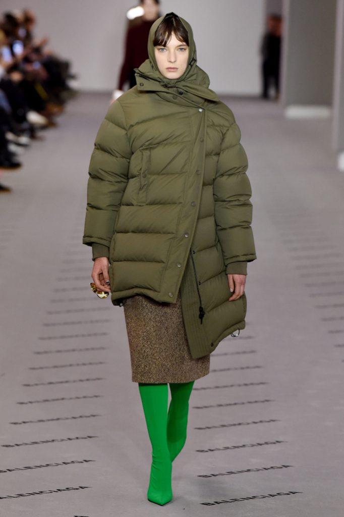 balenciaga rtw fall 2017 collection paris fashion week pfw fw17 019 682x1024 - El Balenciaga de Demna Gvasalia - Colección Otoño-Invierno