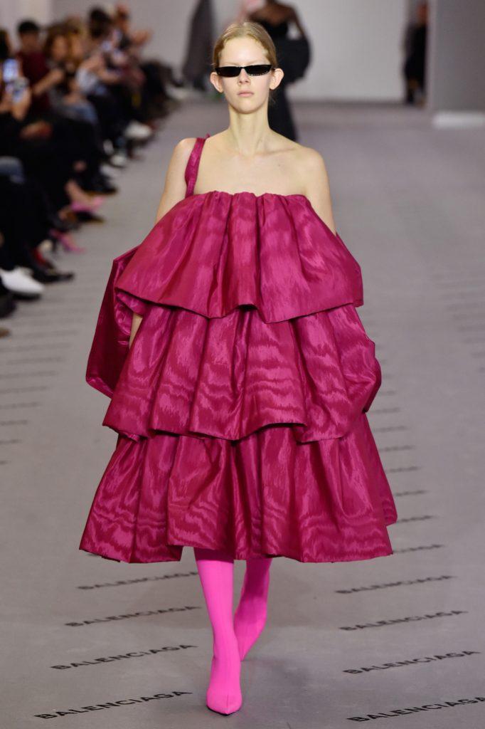 balenciaga rtw fall 2017 collection paris fashion week pfw fw17 040 682x1024 - El Balenciaga de Demna Gvasalia - Colección Otoño-Invierno