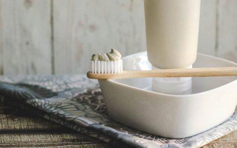 pasta dental casera 480x300 - Pasta de dientes casera