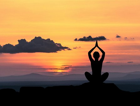 yoga 2 - Glamglam Magazine